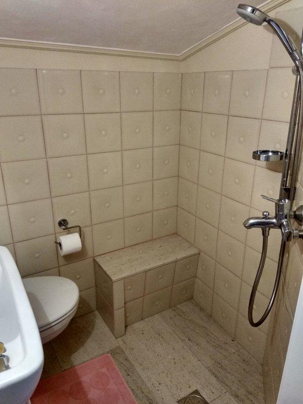 bathroom B - shower