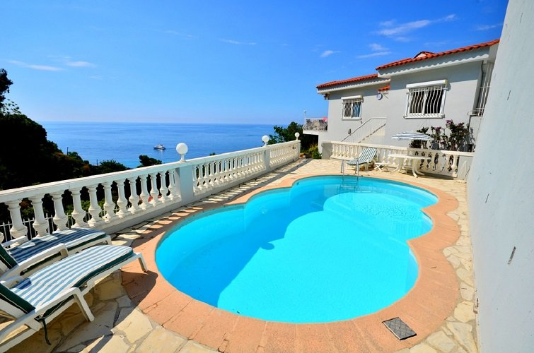 Eze Villa Sleeps 8 with Pool and WiFi - 5822331, vacation rental in Èze