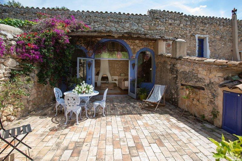 Casa Azul at Masia Nur Sitges, vacation rental in Canyelles