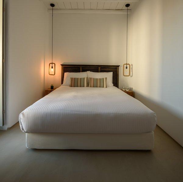 The Summit of Mykonos - Grand Apartment, holiday rental in Kalo Livadi
