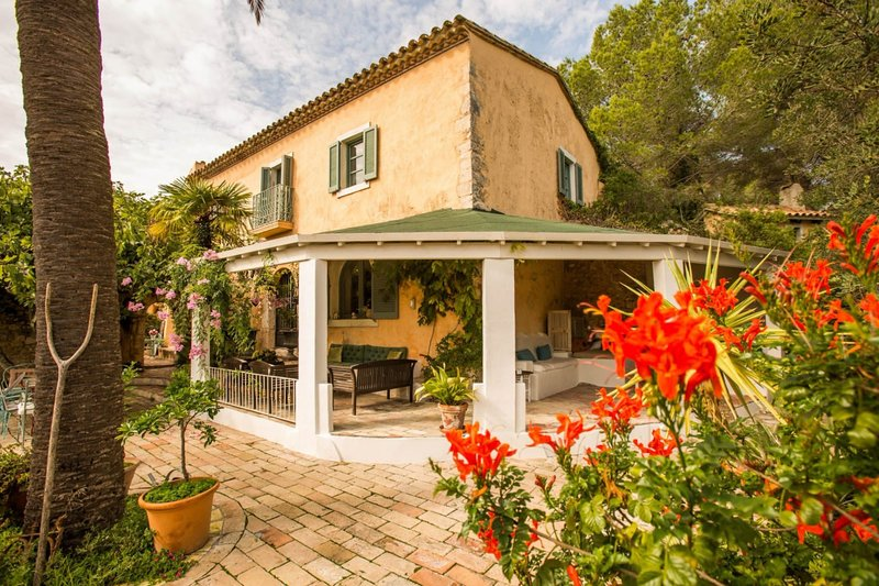 The Manor House at Masia Nur Sitges, vacation rental in Canyelles