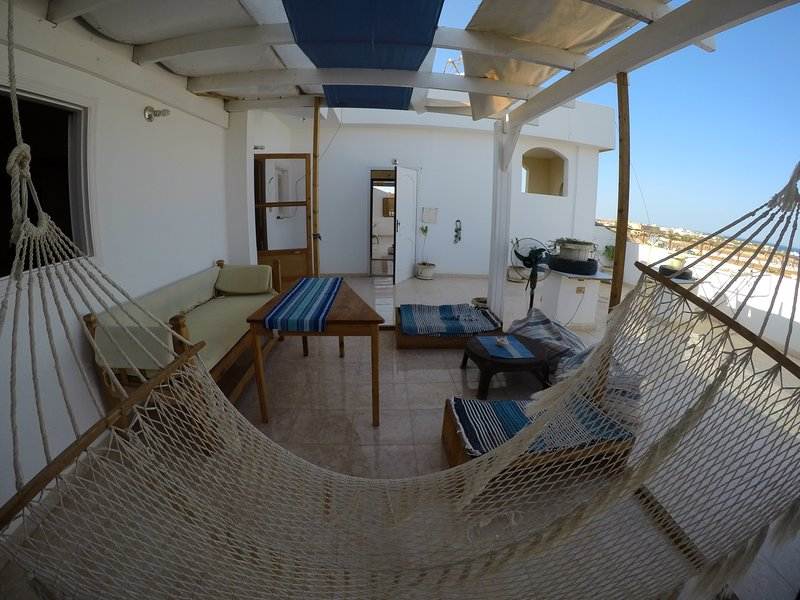 Cozy Kiter Roof / kilo 8 north safaga, holiday rental in Makadi Bay