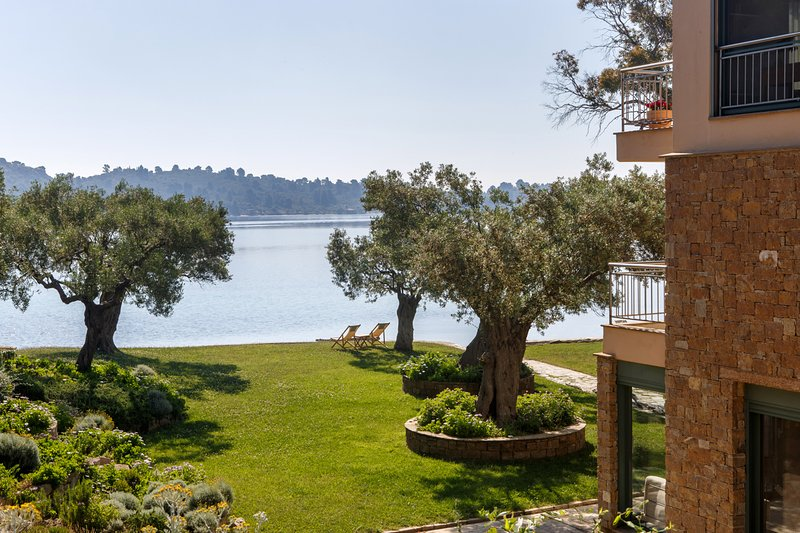 The Blue Olive beach house/villa Halkidiki, vacation rental in Ormos Panagias