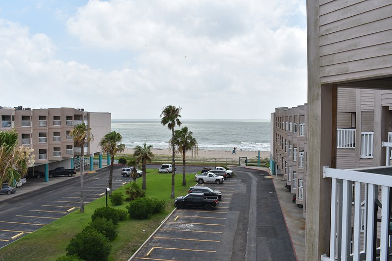 Corpus Christo Beach Condo 1335, vacation rental in Corpus Christi