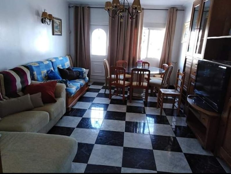Spacious bungalow with shared pool, holiday rental in La Mata