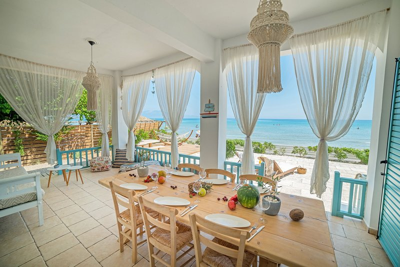 Anemos Beach House, holiday rental in Alykes