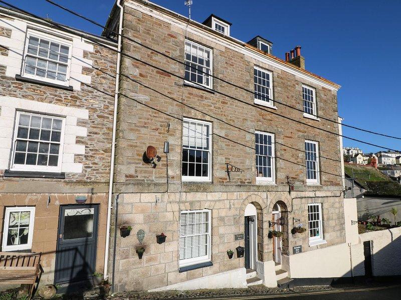 TREGONEY HOUSE, traditional town house, dogs welcome, four en-suite bathrooms, location de vacances à Portmellon