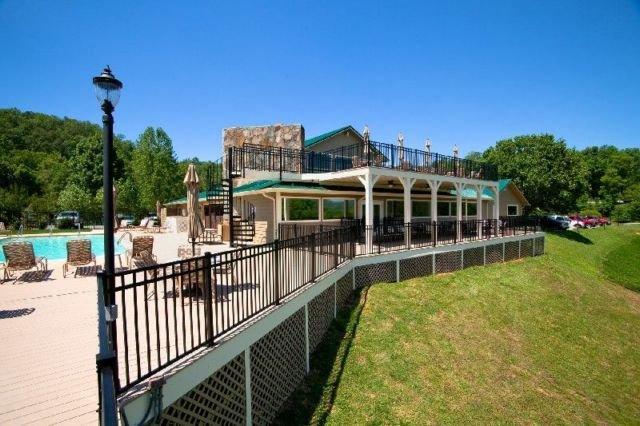 Laurel Valley Clubhouse y piscina