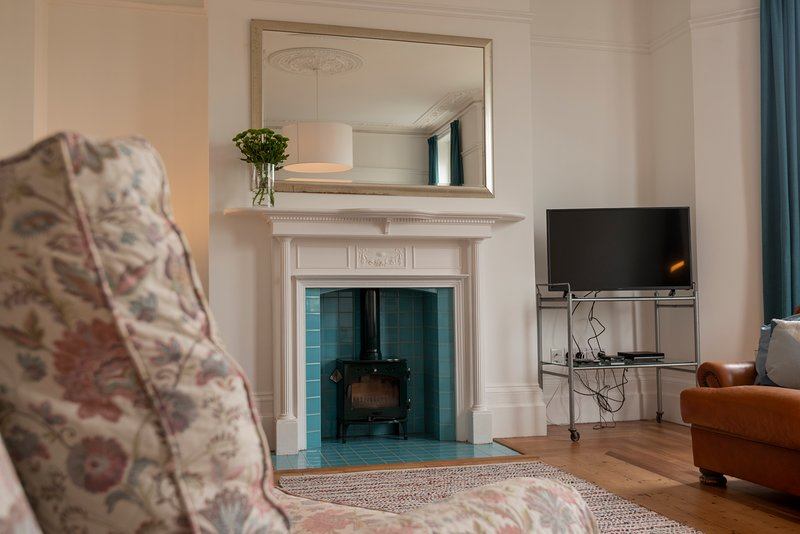 Magical Margate Townhouse, Sea Views, Sleeps 16, 3 Family Christmas Stays, casa vacanza a Kingsgate