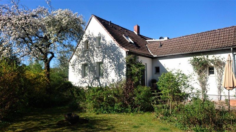 Sonniges Häuschen mit großem Garten, location de vacances à Braunschweig