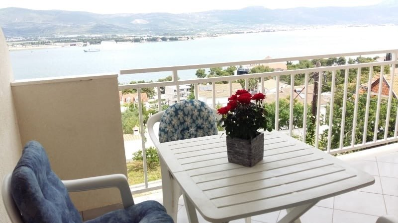 Zedno Apartment Sleeps 4 with Air Con - 5808317, holiday rental in Zedno