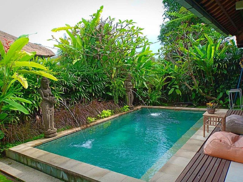 Rumah bali tropical private villa, vacation rental in Ubud