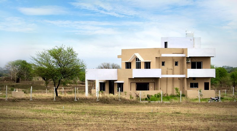 Whitehouse Farms, Tadoba (Bedroom 4), holiday rental in Chandrapur District