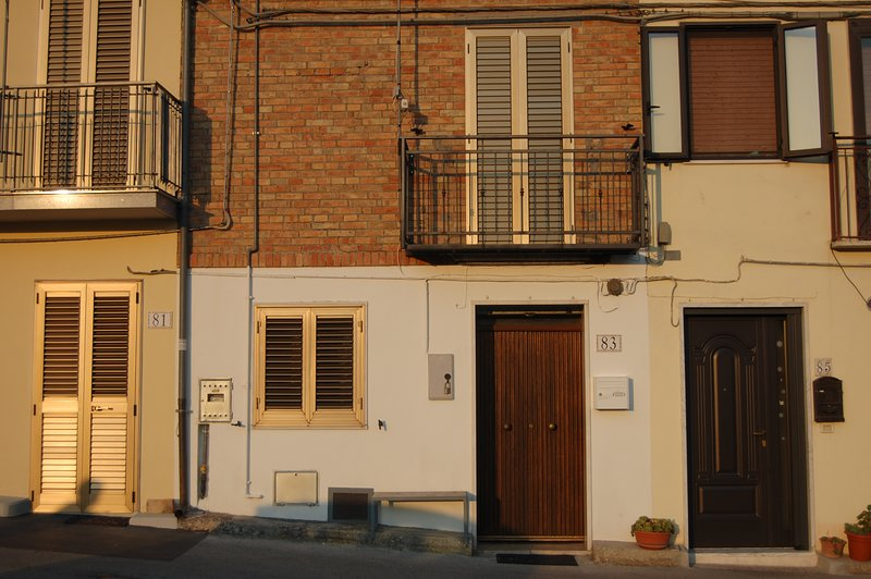 Beautiful house with mountain view, holiday rental in Carunchio