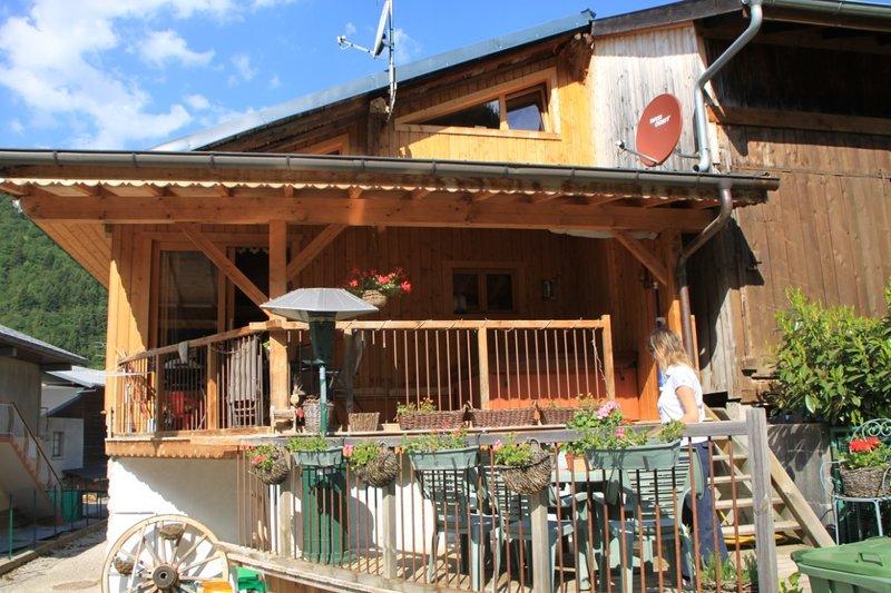 Maison Verte - Quaint 4 bedroom Chalet, casa vacanza a Saint Jean Aulps