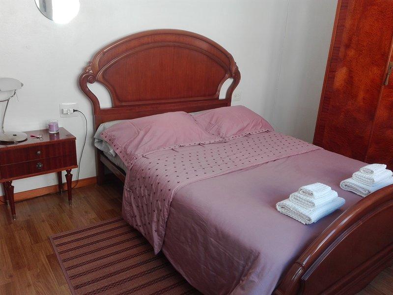 Habitación doble As Burgas/WIFI/centro, aluguéis de temporada em Nogueira de Ramuin