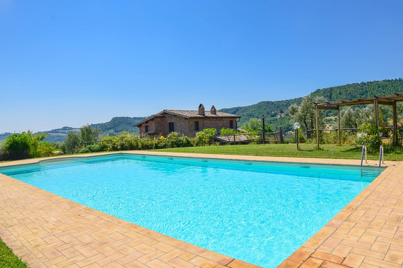 House with private pool and spectacular panoramic views, holiday rental in Bagnoregio