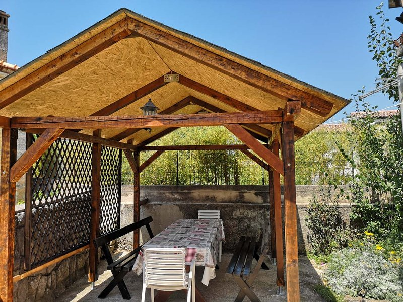 Countriside Family Apartment Katty °2, holiday rental in Kornic