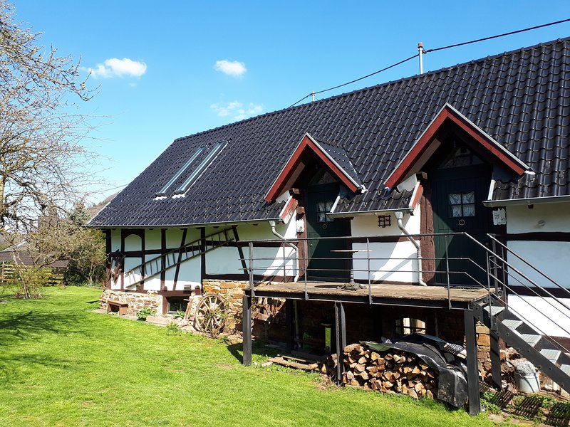 FeWo 'Dorfblick' Landhaus am Aremberg Eifel, holiday rental in Wimbach