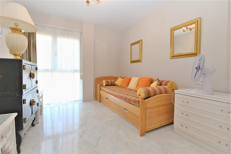 Un'altra camera con un divano letto supplementare