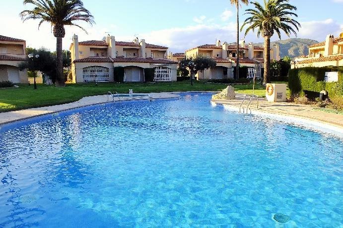 ESPECTACULAR VILLA EN MIAMI-PLAYA 8 PERS., vacation rental in Masriudoms