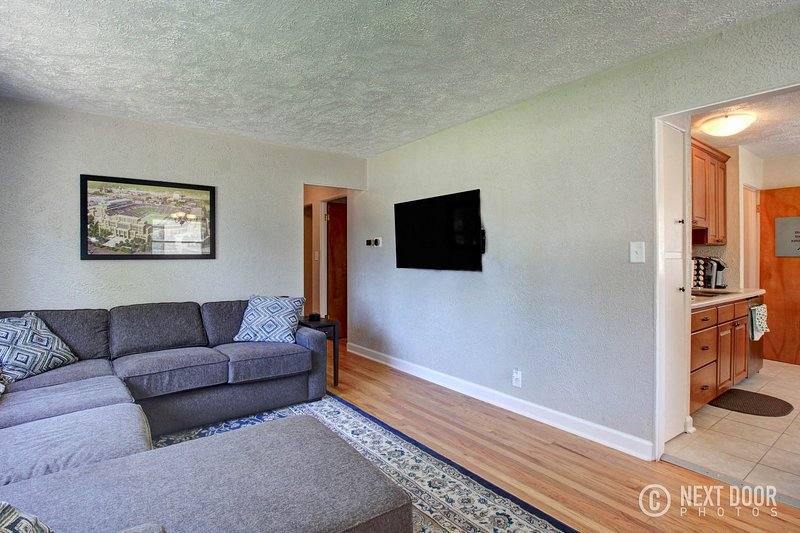 Remodeled home 1 mile from Notre Dame (1150), vacation rental in Saint Marys  Saint Joseph County