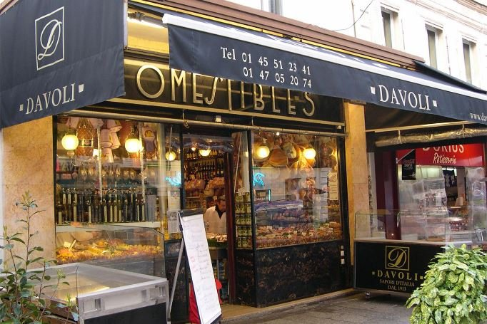 La fabuleuse épicerie fine Davoli de la rue Cler est toujours occupée