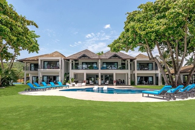 Malatai - Ocho Rios 6 Bedroom Beachfront - Ask about 4 & 8 bedroom Rates, holiday rental in Jamaica