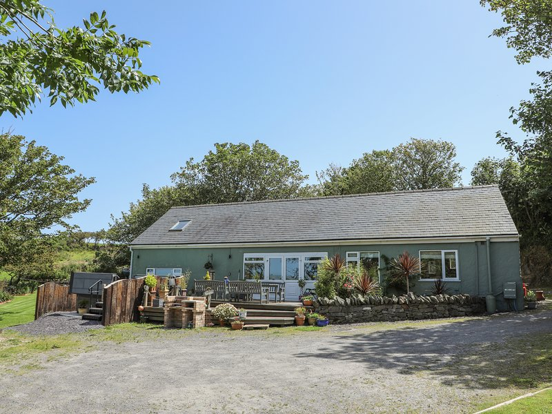 HEN GILFACH, 5 Bedroom(s), Llanfairyngnhornwy, vacation rental in Rhydwyn