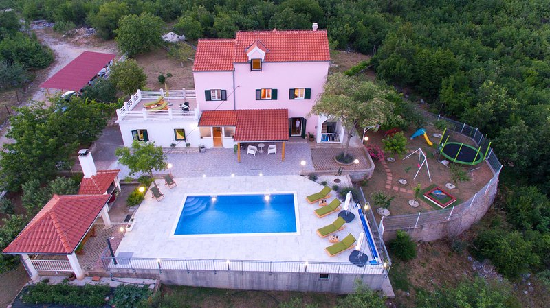 Holiday Home Koprivno, vacation rental in Kotlenice