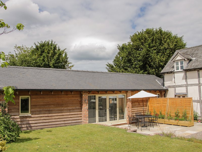 DAFFODILL LODGE, sauna, WiFi, near Leominster, vacation rental in Kimbolton