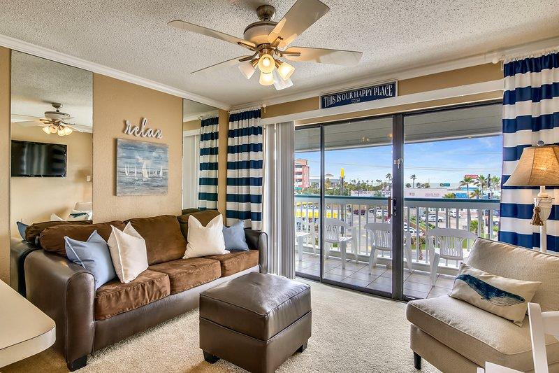 Casa Del Mar 319-Welcome Aboard, holiday rental in Galveston
