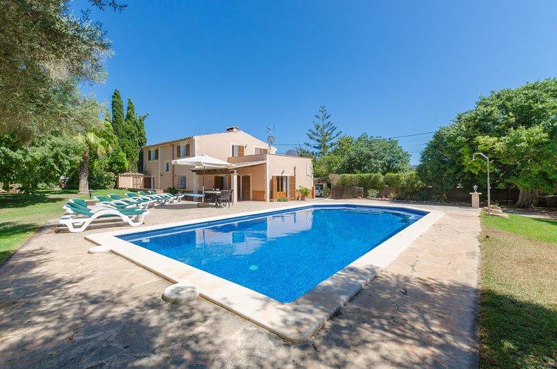 SA CAVEA - Villa for 8 people in Felanitx, holiday rental in Cas Concos