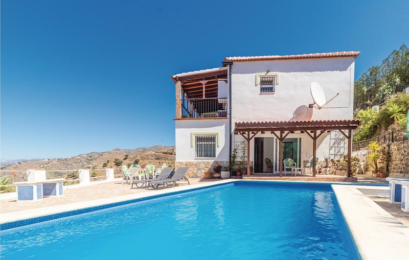 Amazing home in Arenas with Outdoor swimming pool, WiFi and 3 Bedrooms (EAS295), vacation rental in Algarrobo