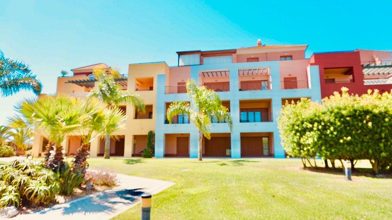Beach & Golf Resort - Apartamento 2 dormitorios (680B), holiday rental in Isla Canela