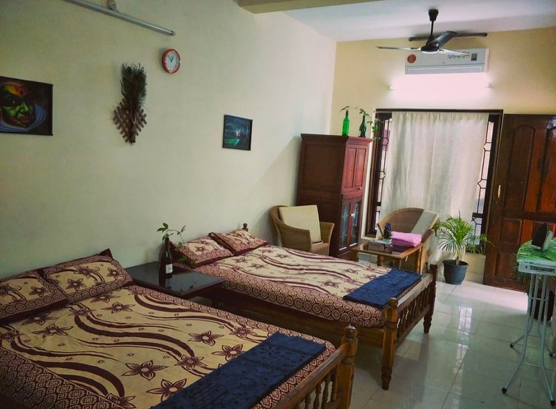The Banyan Hut (Bedroom 2), holiday rental in Kovalam