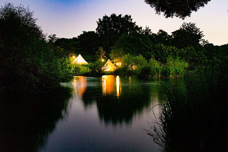 Lloyds Meadow Glamping Luxury Bell Tent Glamping Near Delamere, casa vacanza a Oakmere