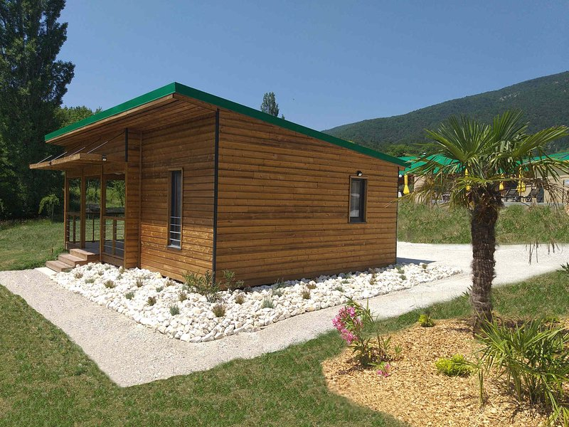 Chalet Plein Air C4 (Saint Maurice Dieulefit), holiday rental in Rochebaudin