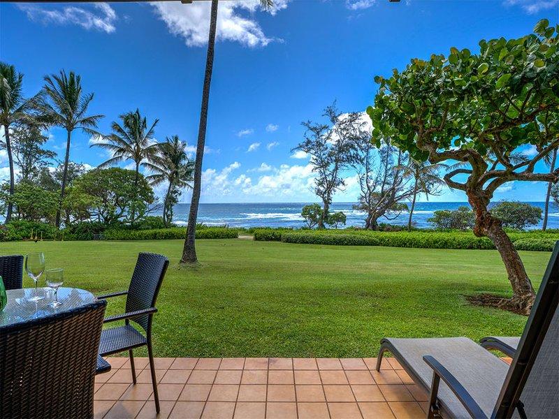 Ocean Front Kauai Paradise w/Full Kitchen, AC, Lanai, WiFi, Flat Screen– Unit, casa vacanza a Wailua
