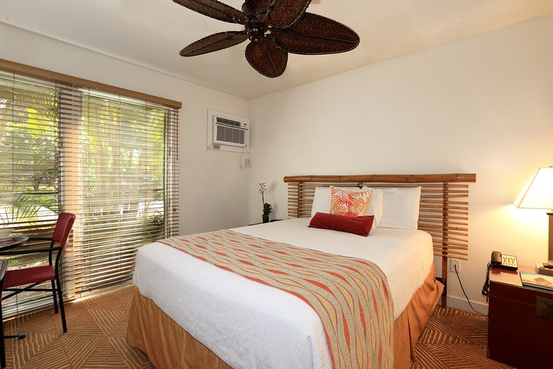 El clásico encanto hawaiano con una sensación limpia y cómoda.