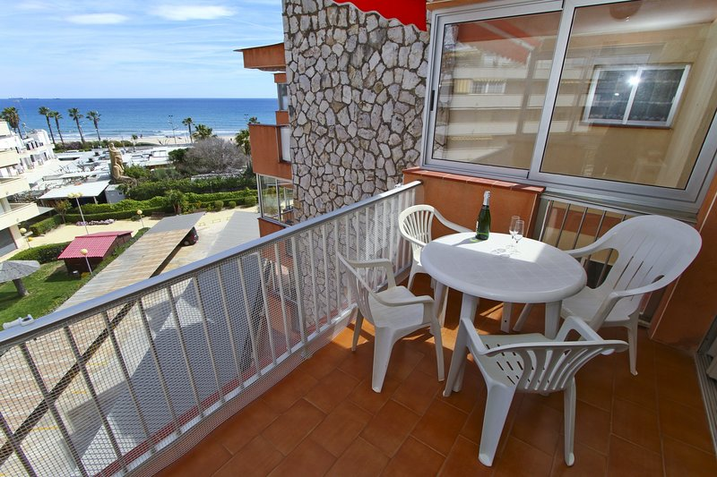 DMS Planet Costa Dorada, vacation rental in La Pineda