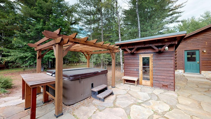 Grand Jay Luxury Lodge, Stunning Views, Near Whiteface & Lake Placid 3D/VR Tour, location de vacances à Jay