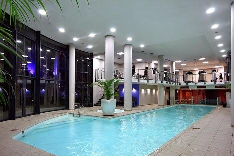 2 bed, 2 bath, apartment Century City Cape Town free WiFi, free parking, holiday rental in Panorama