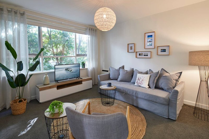 1 Bedroom Apt With Parking Stroll to Elwood Beach – semesterbostad i Caulfield