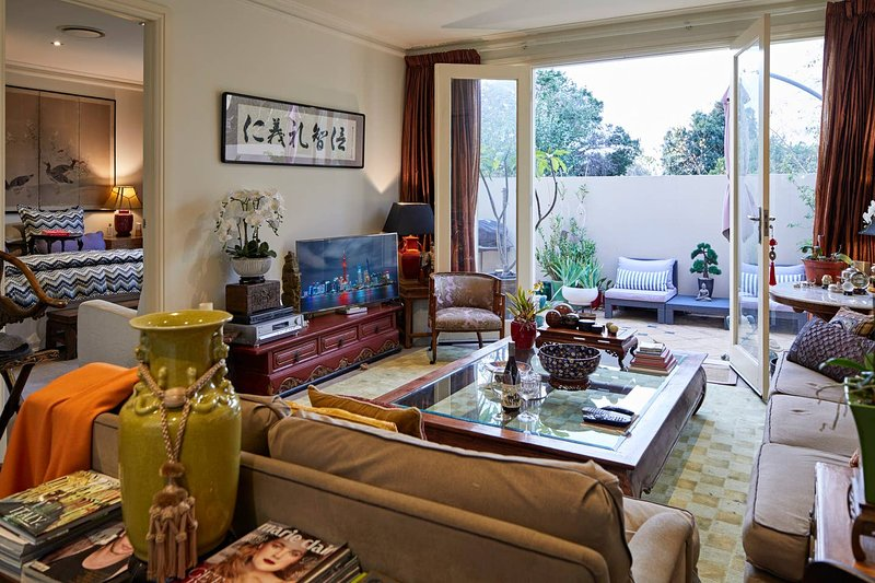 Eclectic 2 bed/2 bath in Armadale with parking – semesterbostad i Caulfield
