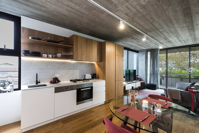 New 1 Bedroom Apt in the Heart of Surry Hills, vacation rental in Moore Park
