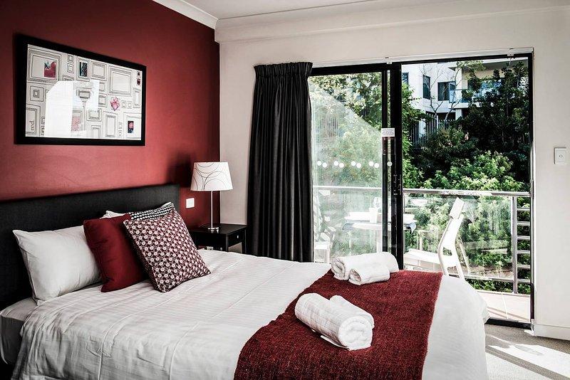 One Bedroom Apt Near Perth CBD with Parking, location de vacances à Leederville