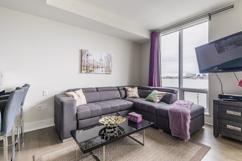 Simply Comfort. Romantic Studio Harbour View. Free Parking, holiday rental in Wellington