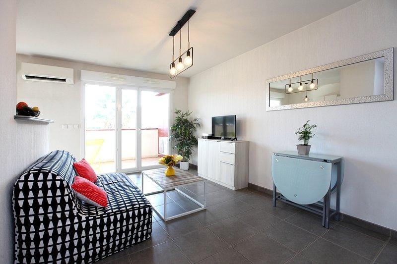 Apart 'LE MOGADOR' T2 - 3*** Bright terrace, location de vacances à La Valette-du-Var