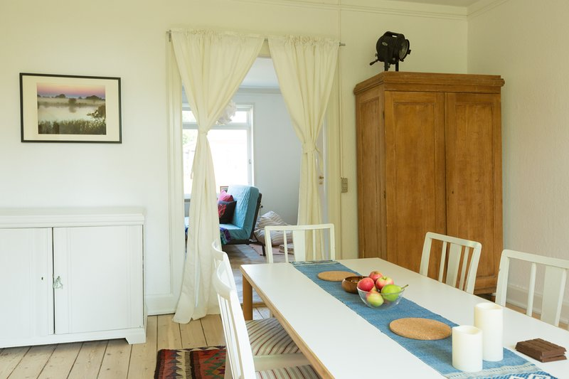 Spacious family holiday home, holiday rental in Rødvig